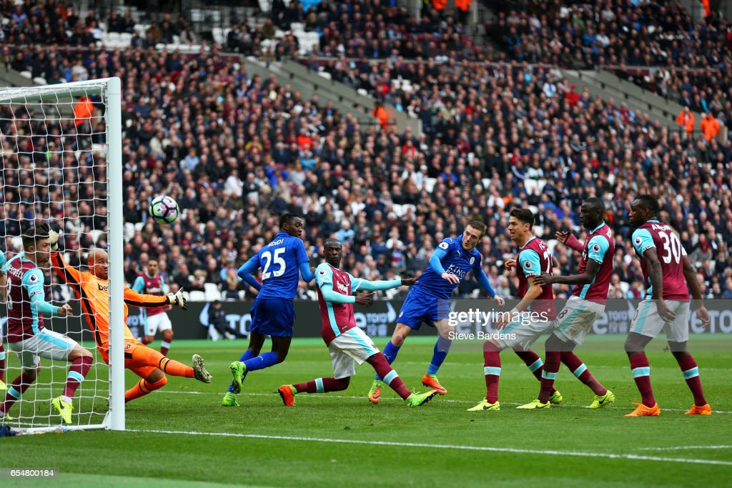 Jamie Vardy of Leicester City scores his sides third goal during the Premier League match between West Ham United and Leicester City at London Stadium on March 18, 2017 in Stratford, England.