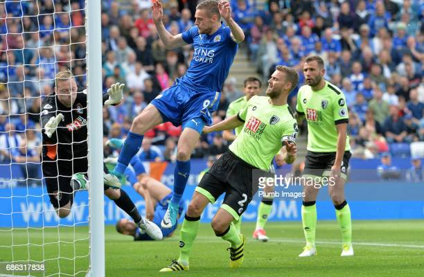 Jamie Vardy of Leicester City scores to make it 11 during the Premier League match between Leicester City and Bournemouth at King Power Stadium on...