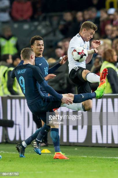 Jamie Vardy und Joshua Kimmich of Germany battle for the ball during the international friendly match between Germany and England at Signal Iduna...