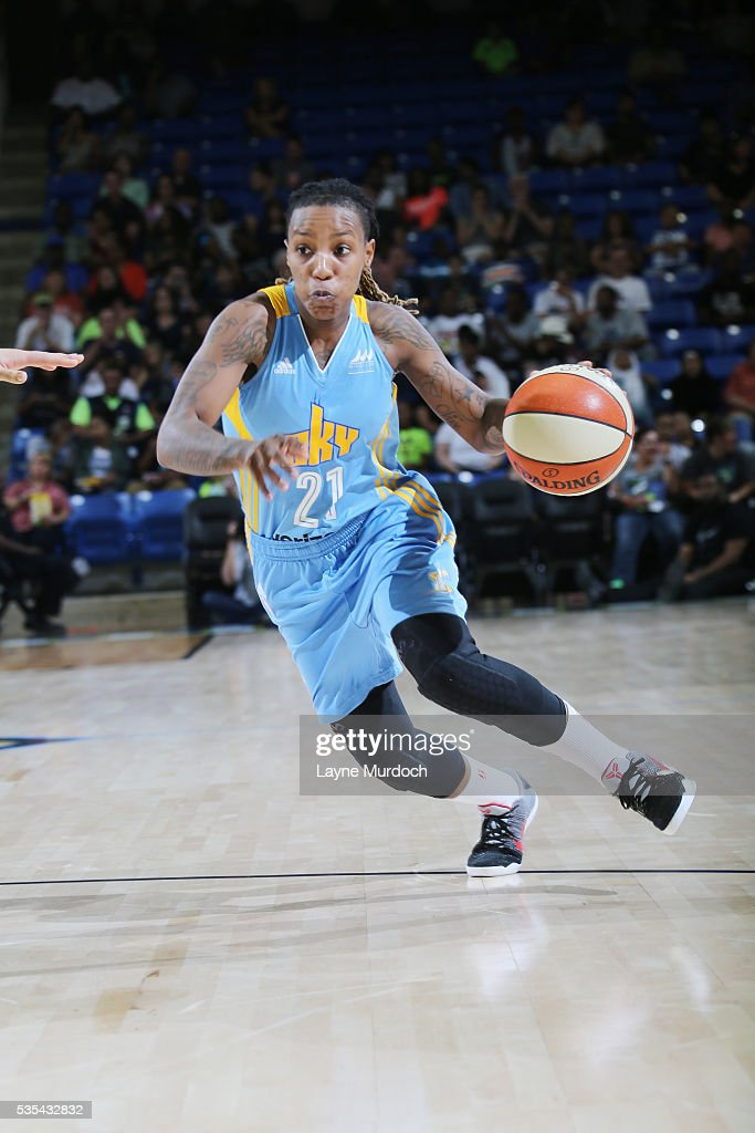 Jamierra Faulkner #21 of the Chicago Sky handles the ball against the Dallas Wings on May 29, 2016 at College Park Center in Arlington, Texas.