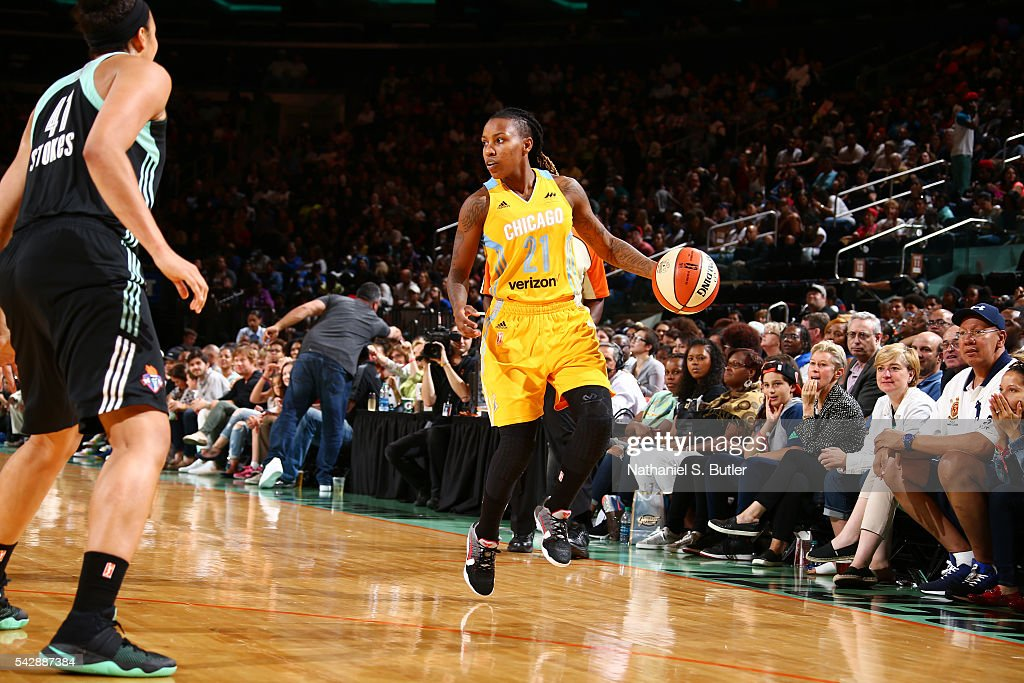 Jamierra Faulkner #21 of the Chicago Sky moves the ball against the New York Liberty on June 24, 2016 at Madison Square Garden in New York, New York.