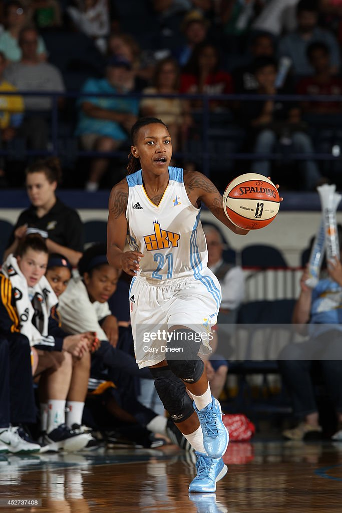 Jamierra Faulkner #21 of the Chicago Sky moves the ball up-court against the Indiana Fever on July 22, 2014 at the Allstate Arena in Rosemont, Illinois.