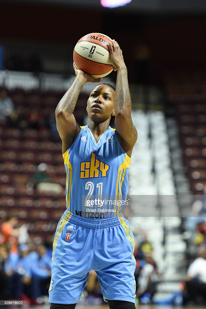 Jamierra Faulkner #21 of the Chicago Sky shoots a free throw against the Atlanta Dream in a WNBA preseason game on May 5, 2016 at the Mohegan Sun Arena in Uncasville, Connecticut.