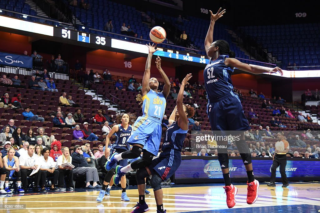 Jamierra Faulkner #21 of the Chicago Sky shoots the ball against the Atlanta Dream in a WNBA preseason game on May 5, 2016 at the Mohegan Sun Arena in Uncasville, Connecticut.