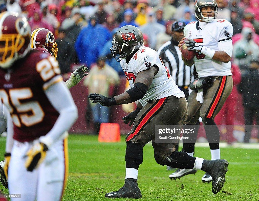Tampa Bay Buccaneers v Washington Redskins