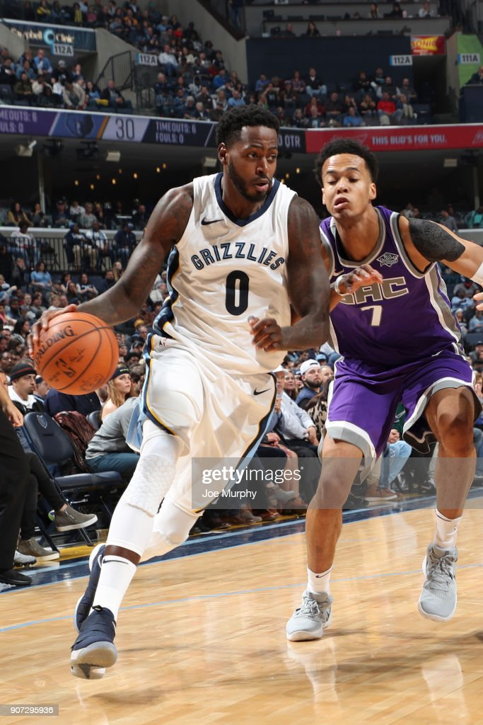 JaMychal Green #0 of the Memphis Grizzlies handles the ball against the Sacramento Kings on January 19, 2018 at FedExForum in Memphis, Tennessee.