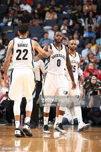 JaMychal Green of the Memphis Grizzlies shakes hands with his teammates during the game against the Chicago Bulls on April 5 2016 at FedExForum in...