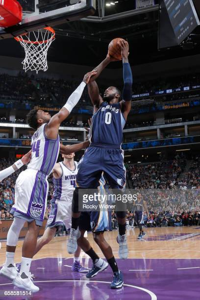 JaMychal Green of the Memphis Grizzlies shoots the ball during a game against the Sacramento Kings on March 27 2017 at Golden 1 Center in Sacramento...