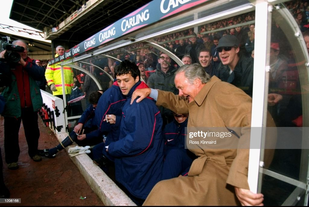 Ron Atkinson is mocked by Arsenal fans after sitting in the wrong dugout before his first game in charge of Nottingham Forest in the FA Carling...