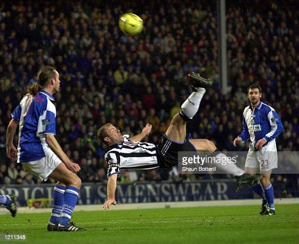 31 Jan 2000 Alan Shearer of Newcastle puts an overhead kick wide during the Blackburn Rovers v Newcastle United FA Cup 5th round cup tie at Ewood...