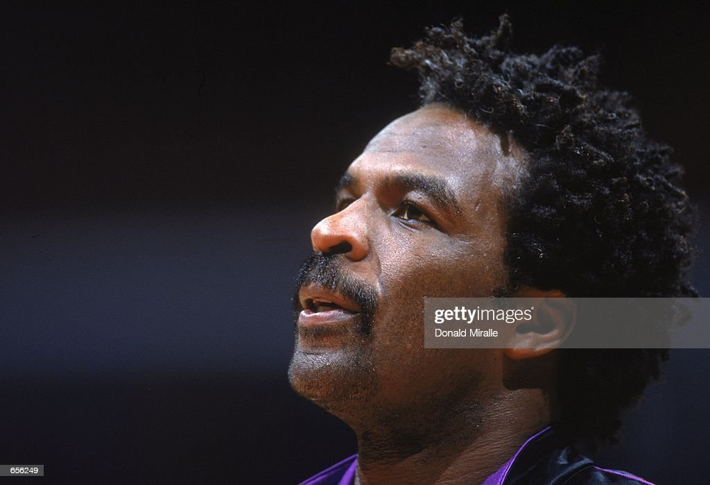 A close up of Charles Oakley #34 of the Toronto Raptors as he looks on during the game against the Los Angeles Clippers at the STAPLES Center in Los Angeles, California. The Clippers defeated the Raptors 110-97.