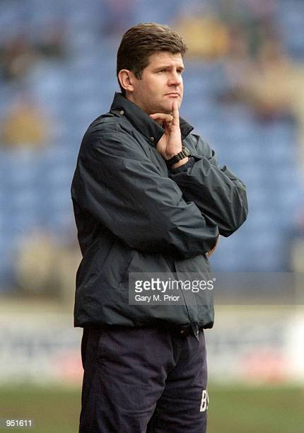 Scunthorpe United manager Brian Laws looks on during the AXA sponsored FA Cup 4th round match against Bolton Wanderers played at the Reebok Stadium...