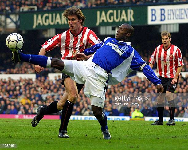 Kevin Campbell of Everton stretches to reach the ball ahead of Stanislav Varga of Sunderland during the FA Barclaycard Premiership match played at...