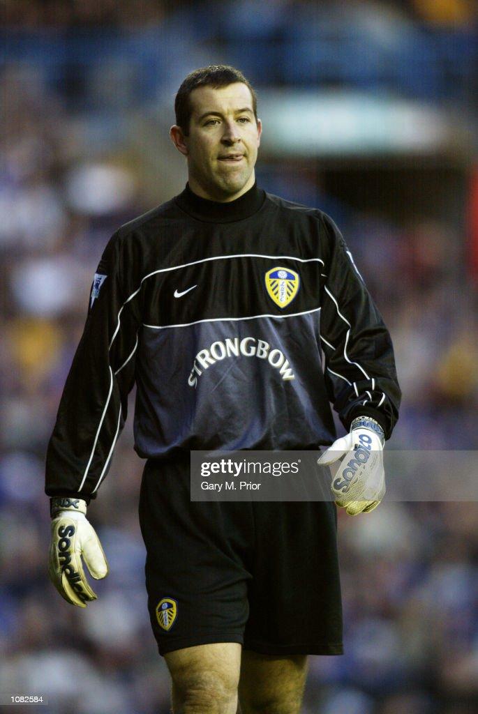 Nigel Martyn of Leeds United during the FA Barclaycard Premiership match between Leeds and Arsenal at Elland Road Leeds DIGITAL IMAGE Mandatory...