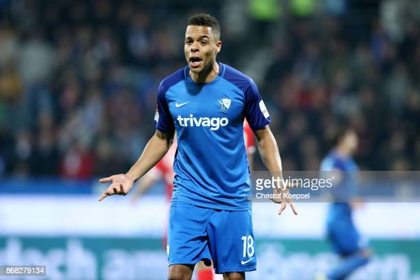 Jan Gyamerah of Bochum gestures to the linesman after not decisoding a goal during the Second Bundesliga match between VfL Bochum 1848 and Fortuna...