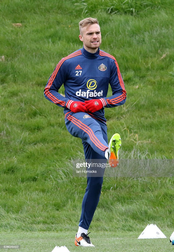 Jan Kirchhoff warms up during a Sunderland AFC training session at The Academy of Light on April 29, 2016 in Sunderland, England.