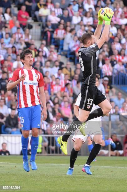 Jan Oblak #13 of Atletico de Madrid during The La Liga match between Atletico Madrid v Valencia FC at Vicente Calderon on March 19 2017 in Madrid...
