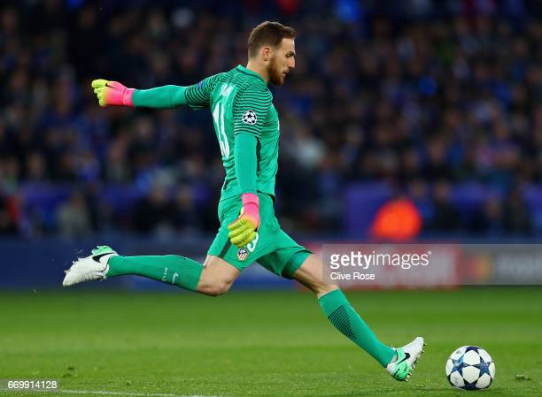 Jan Oblak of Atletico Madrid in action during the UEFA Champions League Quarter Final second leg match between Leicester City and Club Atletico de...