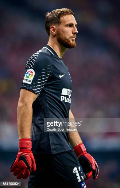 Jan Oblak of Atletico Madrid looks on during the La Liga match between Atletico Madrid and Barcelona at Estadio Wanda Metropolitano on October 14...