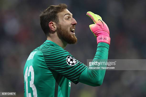 Jan Oblak of Atletico reacts during the UEFA Champions League match between FC Bayern Muenchen and Club Atletico de Madrid at Allianz Arena on...