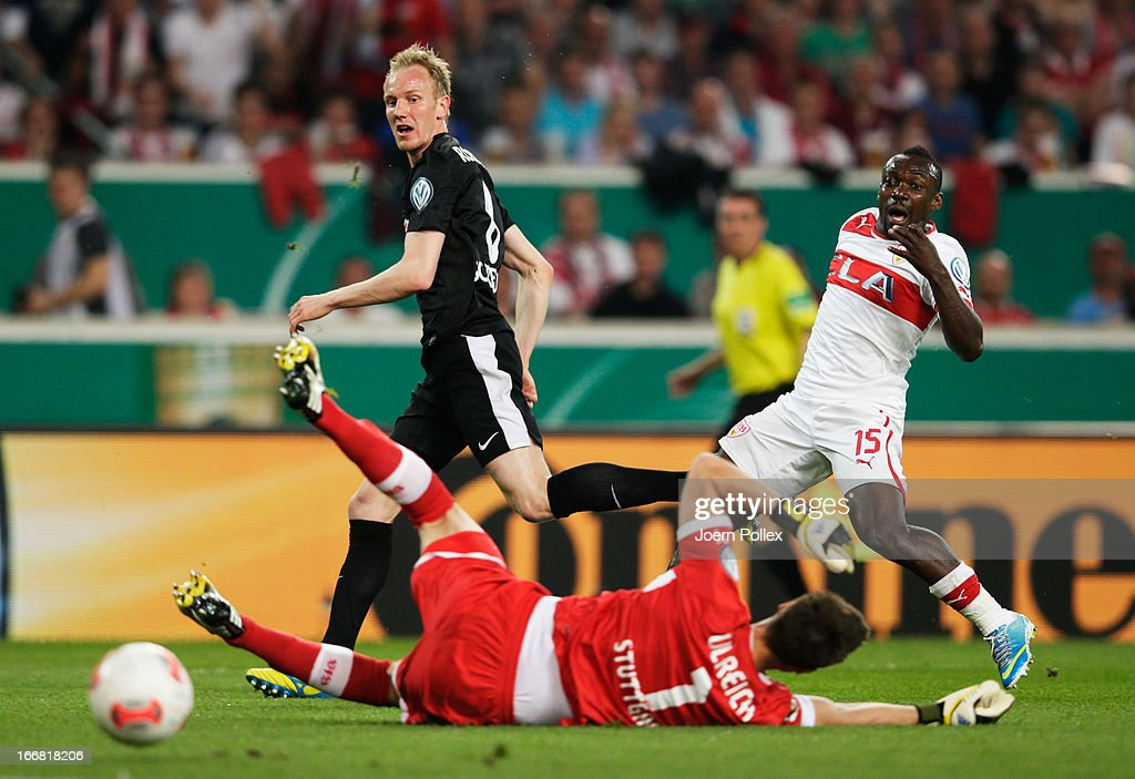 <a gi-track='captionPersonalityLinkClicked' href=/galleries/search?phrase=Jan+Rosenthal&family=editorial&specificpeople=758564 ng-click='$event.stopPropagation()'>Jan Rosenthal</a> (C) of Freiburg scores his team's first goal during the DFB Cup Semi Final match between VfB Stuttgart and SC Freiburg at Mercedes-Benz Arena on April 17, 2013 in Stuttgart, Germany.