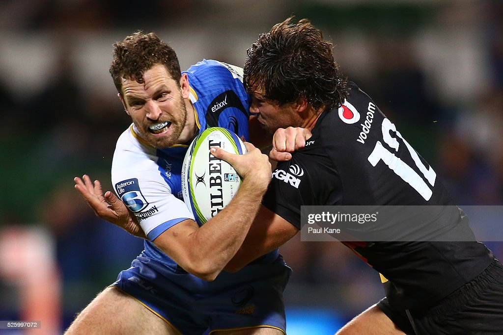 <a gi-track='captionPersonalityLinkClicked' href=/galleries/search?phrase=Jan+Serfontein&family=editorial&specificpeople=9454171 ng-click='$event.stopPropagation()'>Jan Serfontein</a> of the Bulls tackles Luke Morahan of the Force during the round 10 Super Rugby match between the Force and the Bulls at nib Stadium on April 29, 2016 in Perth, Australia.