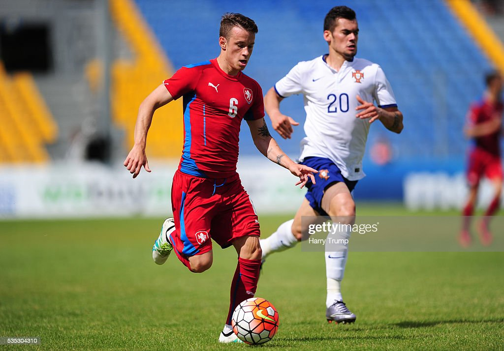 Jan Sykora of Czech Republic looks to break past Paolo Henrique of Portugal during the Final of the Toulon Tournament between England and France at Parc Des Sports on May 29, 2016 in Avignon, France.