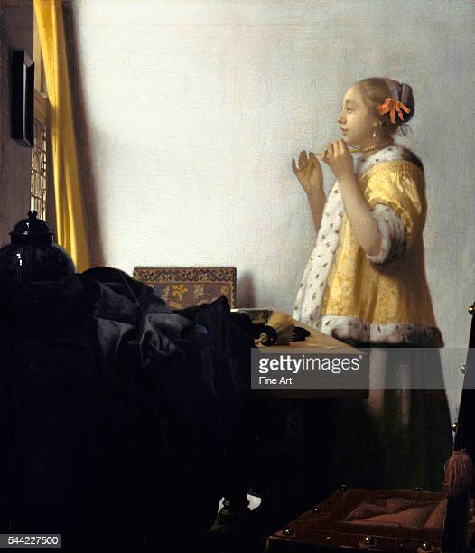 Jan Vermeer Young Woman with a Pearl Necklace circa 1662 Oil on canvas 45 x 55 cm Gemaldegalerie Berlin Germany