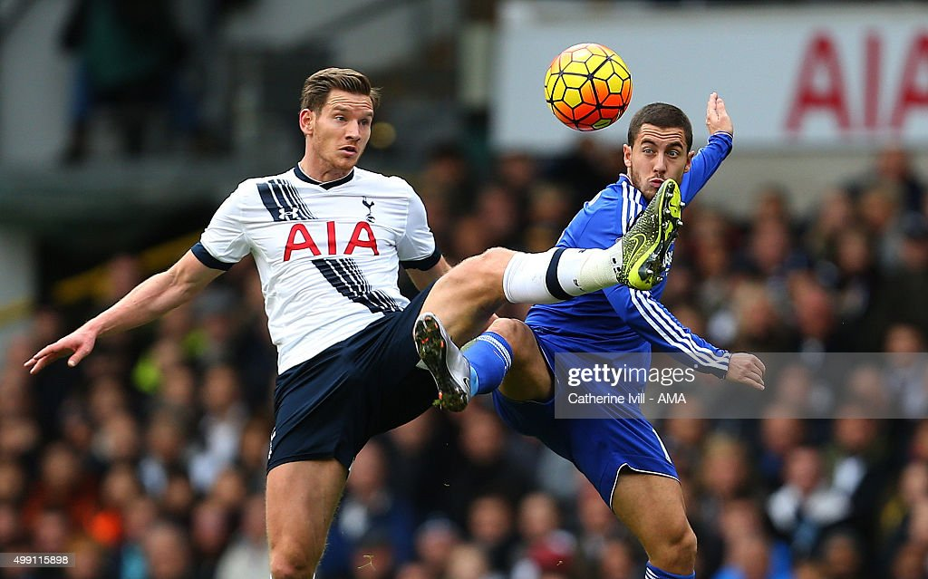 <a gi-track='captionPersonalityLinkClicked' href=/galleries/search?phrase=Jan+Vertonghen&family=editorial&specificpeople=1360499 ng-click='$event.stopPropagation()'>Jan Vertonghen</a> of Tottenham Hotspur and <a gi-track='captionPersonalityLinkClicked' href=/galleries/search?phrase=Eden+Hazard&family=editorial&specificpeople=5539543 ng-click='$event.stopPropagation()'>Eden Hazard</a> of Chelsea during the Barclays Premier League match between Tottenham Hotspur and Chelsea at White Hart Lane on November 29, 2015 in London, England.