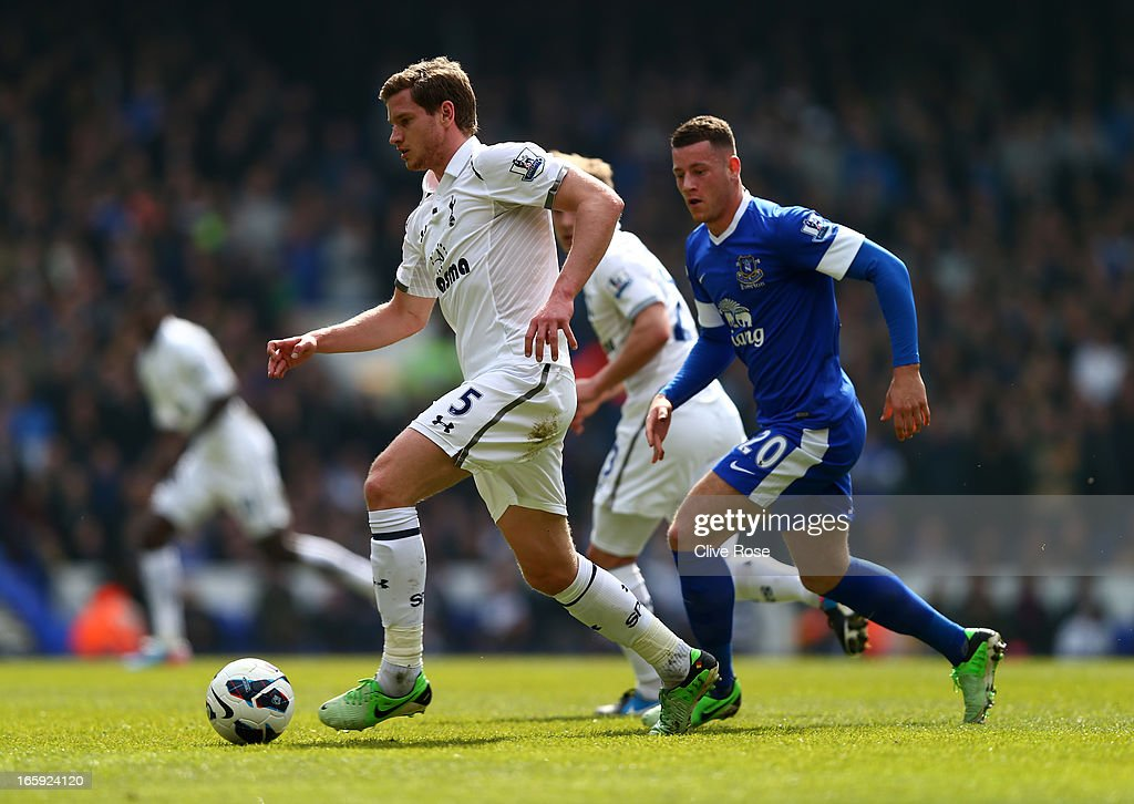 Jan Vertonghen of Tottenham Hotspur is marshalled by Ross Barkley of Everton during the Barclays Premier League match between Tottenham Hotspur and Everton at White Hart Lane on April 7, 2013 in London, England.
