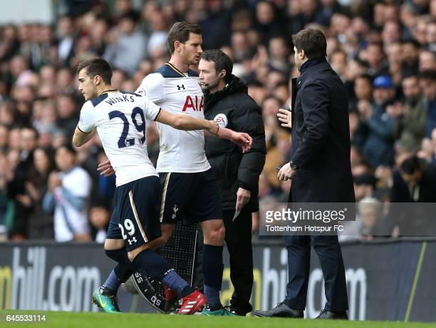 Jan Vertonghen of Tottenham Hotspur is replaced by Harry Winks during the Premier League match between Tottenham Hotspur and Stoke City at White Hart...