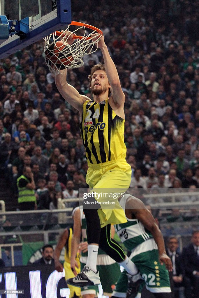 <a gi-track='captionPersonalityLinkClicked' href=/galleries/search?phrase=Jan+Vesely&family=editorial&specificpeople=5620499 ng-click='$event.stopPropagation()'>Jan Vesely</a>, #24 of Fenerbahce Istanbul in action during the 2015-2016 Turkish Airlines Euroleague Basketball Top 16 Round 8 game between Panathinaikos Athens v Fenerbahce Istanbul at Olympic Sports Center Athens on February 25, 2016 in Athens, Greece.