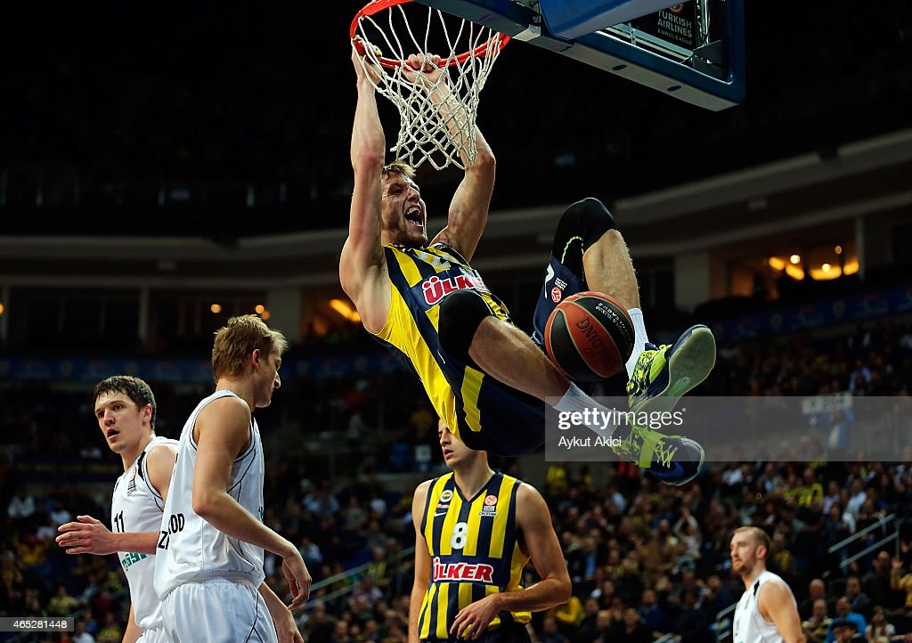 <a gi-track='captionPersonalityLinkClicked' href=/galleries/search?phrase=Jan+Vesely&family=editorial&specificpeople=5620499 ng-click='$event.stopPropagation()'>Jan Vesely</a>, #24 of Fenerbahce Ulker Istanbul in action during the Turkish Airlines Euroleague Basketball Top 16 Date 9 game between Fenerbahce Ulker Istanbul v Nizhny Novgorod at Ulker Sports Arena on March 5, 2015 in Istanbul, Turkey.