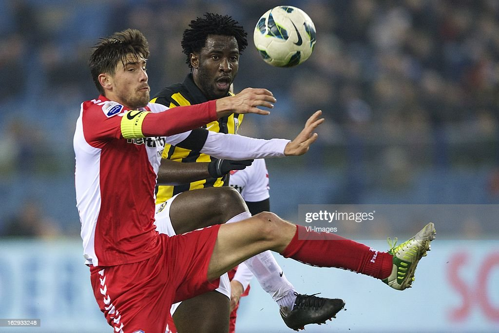 Jan Wuytens of FC Utrecht, <a gi-track='captionPersonalityLinkClicked' href=/galleries/search?phrase=Wilfried+Bony&family=editorial&specificpeople=4231248 ng-click='$event.stopPropagation()'>Wilfried Bony</a> of Vitesse during the Dutch Eredivisie match between Vitesse Arnhem and FC Utrecht at the Gelredome on march 01, 2013 in Arnhem, The Netherlands