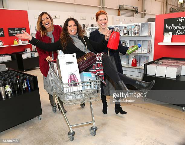 Jana Ina Zarella Christine Neubauer and Enie van de Meiklokjes during the opening of the City Outlet Geislingen on October 27 2016 in Geislingen...