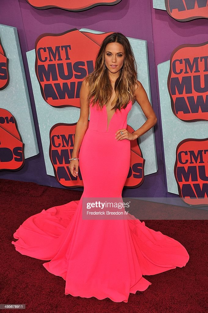 <a gi-track='captionPersonalityLinkClicked' href=/galleries/search?phrase=Jana+Kramer&family=editorial&specificpeople=569861 ng-click='$event.stopPropagation()'>Jana Kramer</a> arrives at the 2014 CMT Music awards at the Bridgestone Arena on June 4, 2014 in Nashville, Tennessee.