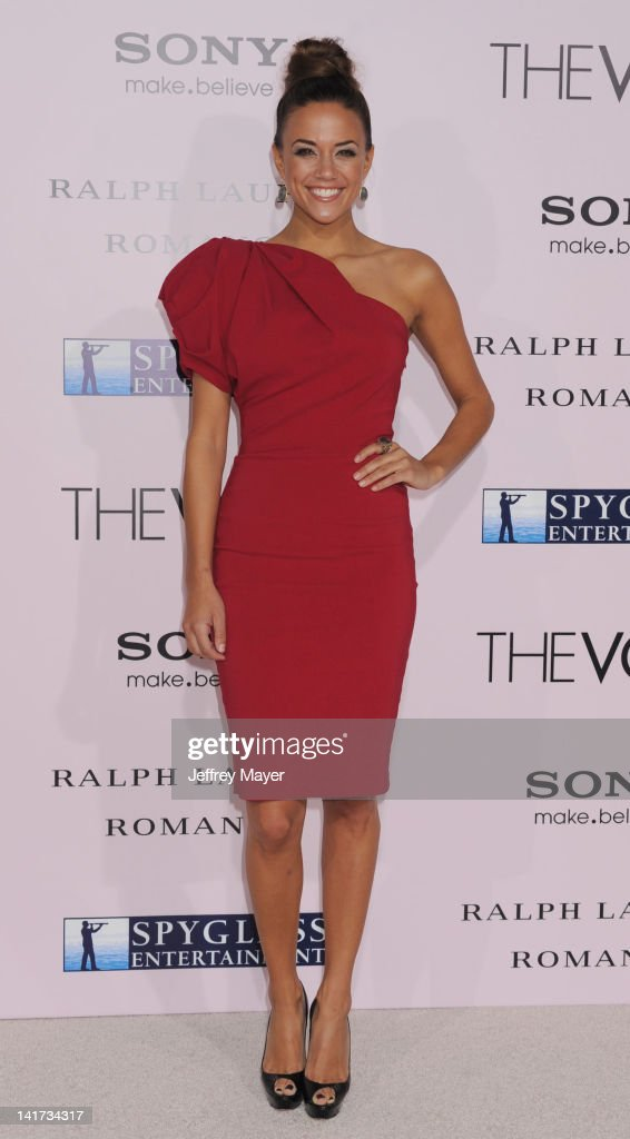 <a gi-track='captionPersonalityLinkClicked' href=/galleries/search?phrase=Jana+Kramer&family=editorial&specificpeople=569861 ng-click='$event.stopPropagation()'>Jana Kramer</a> arrives at 'The Vow' Los Angeles Premiere at Grauman's Chinese Theatre on February 6, 2012 in Hollywood, California.