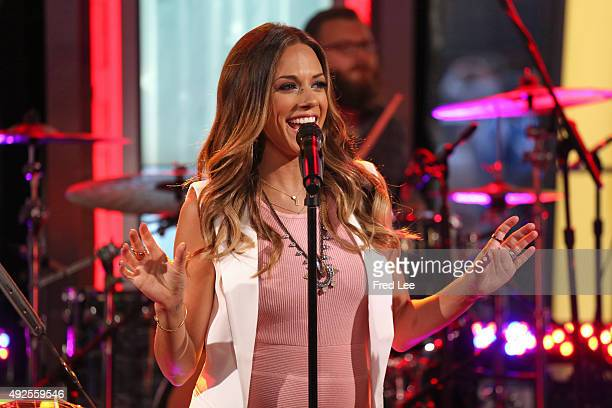 AMERICA Jana Kramer performs live on 'Good Morning America' 10/12/15 airing on the ABC Television Network