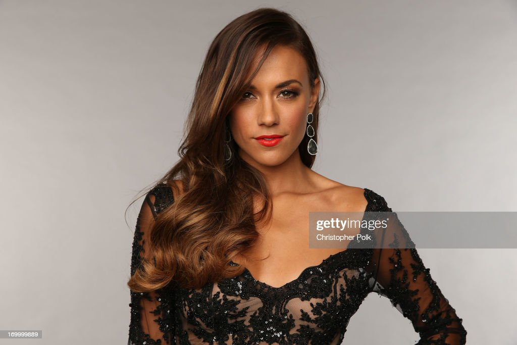 <a gi-track='captionPersonalityLinkClicked' href=/galleries/search?phrase=Jana+Kramer&family=editorial&specificpeople=569861 ng-click='$event.stopPropagation()'>Jana Kramer</a> poses at the Wonderwall portrait studio during the 2013 CMT Music Awards at Bridgestone Arena on June 5, 2013 in Nashville, Tennessee.