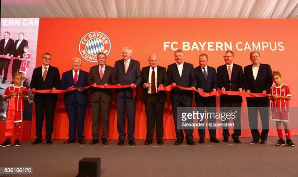 JanChristian Dreesen COO of FC Bayern Muenchen Walter Mennekes VicePresident of FC Bayern Muenchen Karl Hopfner Horst Seehofer Bavarian Governor Uli...
