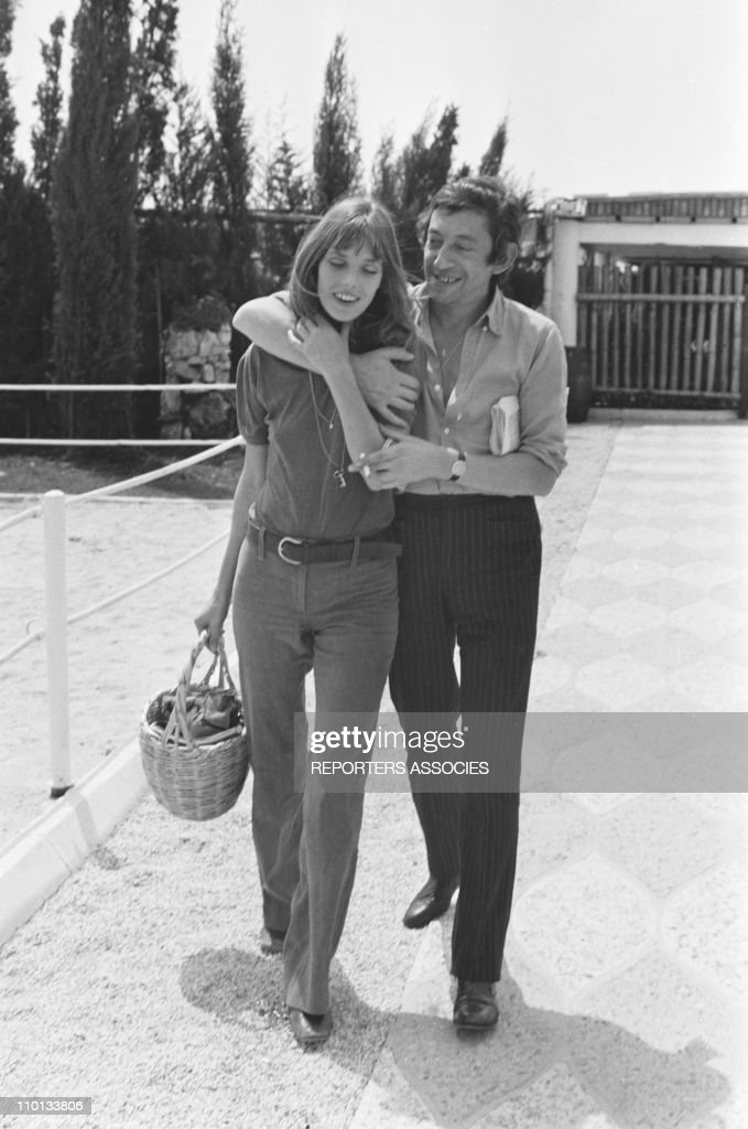 <a gi-track='captionPersonalityLinkClicked' href=/galleries/search?phrase=Jane+Birkin&family=editorial&specificpeople=159385 ng-click='$event.stopPropagation()'>Jane Birkin</a> and <a gi-track='captionPersonalityLinkClicked' href=/galleries/search?phrase=Serge+Gainsbourg&family=editorial&specificpeople=775960 ng-click='$event.stopPropagation()'>Serge Gainsbourg</a> on a karting racing circuit in 1970.