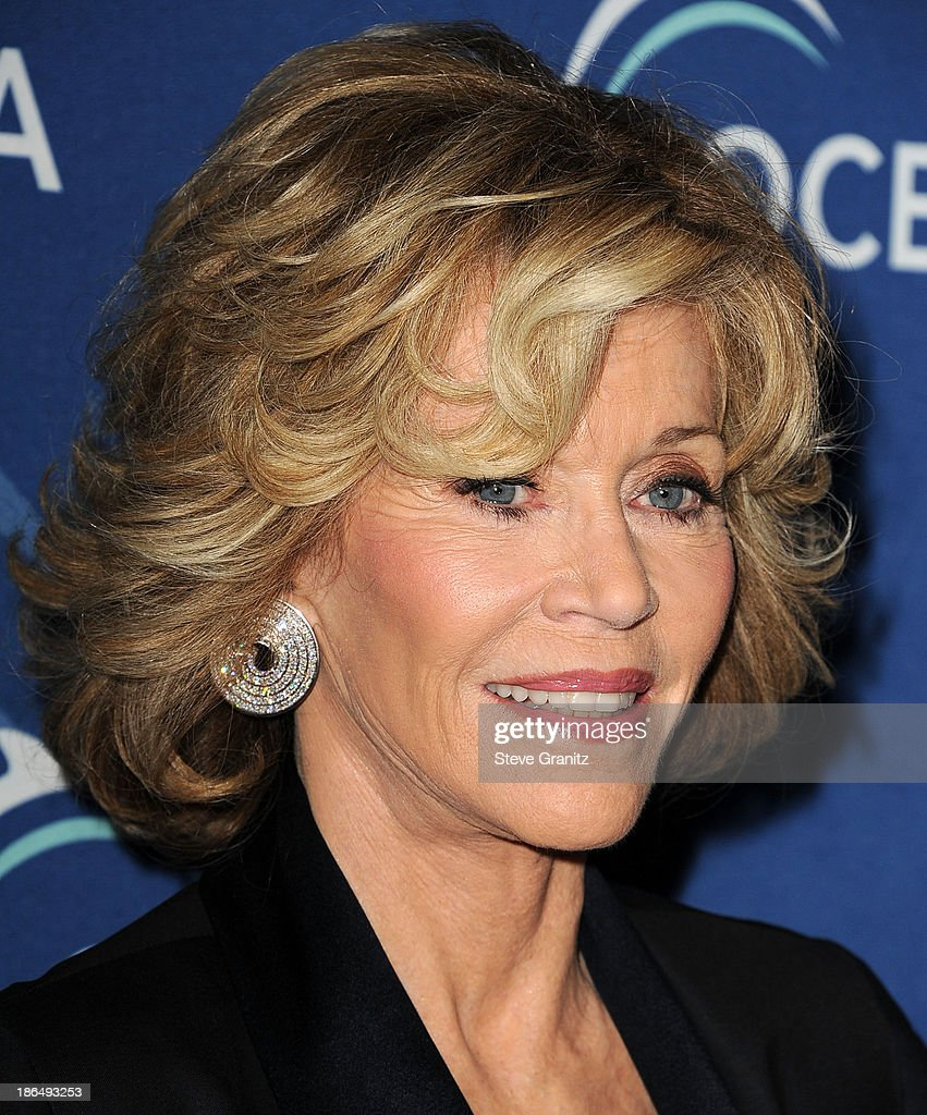 Jane Fonda arrives at the Oceana Partners Award Gala With Former Secretary Of State Hillary Rodham Clinton and HBO CEO Richard Pleple at Regent Beverly Wilshire Hotel on October 30, 2013 in Beverly Hills, California.