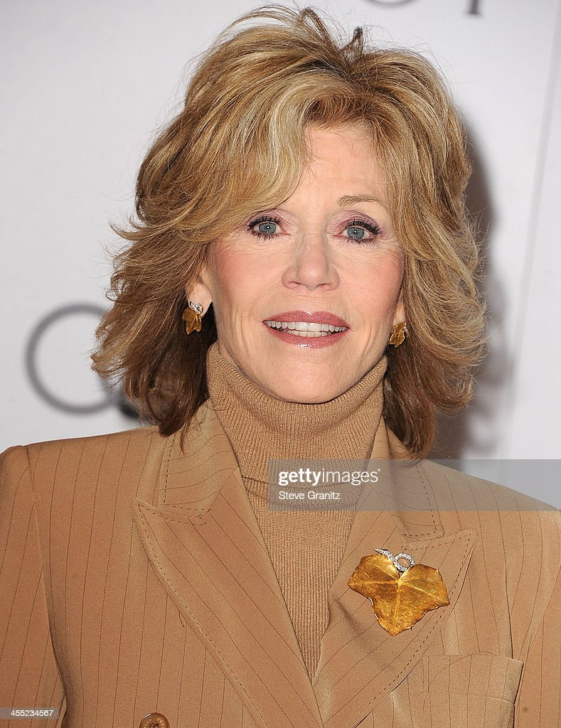 <a gi-track='captionPersonalityLinkClicked' href=/galleries/search?phrase=Jane+Fonda&family=editorial&specificpeople=202174 ng-click='$event.stopPropagation()'>Jane Fonda</a> arrives at the The Hollywood Reporter's Women In Entertainment Breakfast Honoring Oprah Winfrey at Beverly Hills Hotel on December 11, 2013 in Beverly Hills, California.