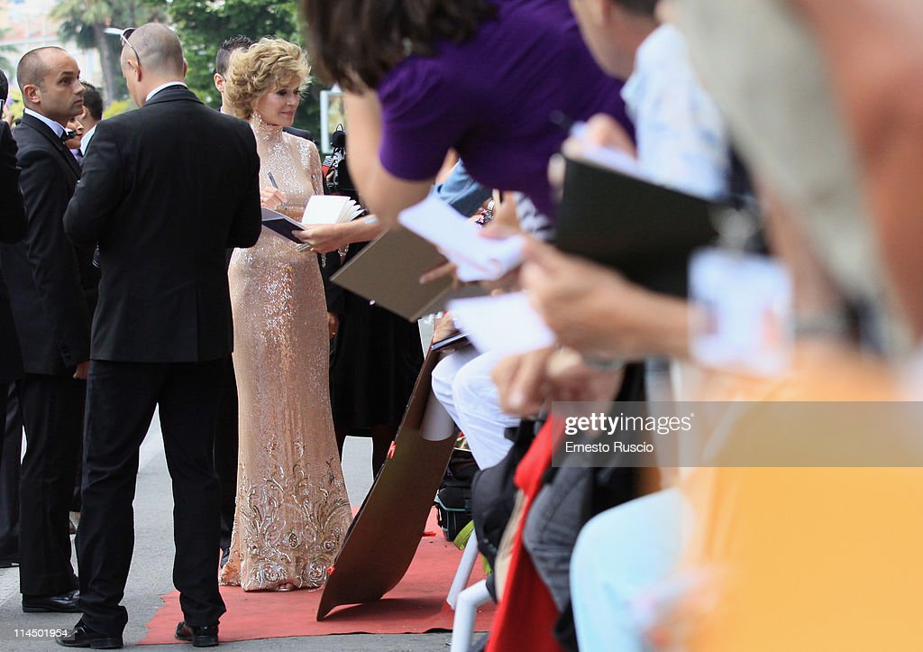 <a gi-track='captionPersonalityLinkClicked' href=/galleries/search?phrase=Jane+Fonda&family=editorial&specificpeople=202174 ng-click='$event.stopPropagation()'>Jane Fonda</a> attends the 'Les Bien-Aimes' premiere at the Palais des Festivals during the 64th Cannes Film Festival on May 22, 2011 in Cannes, France.