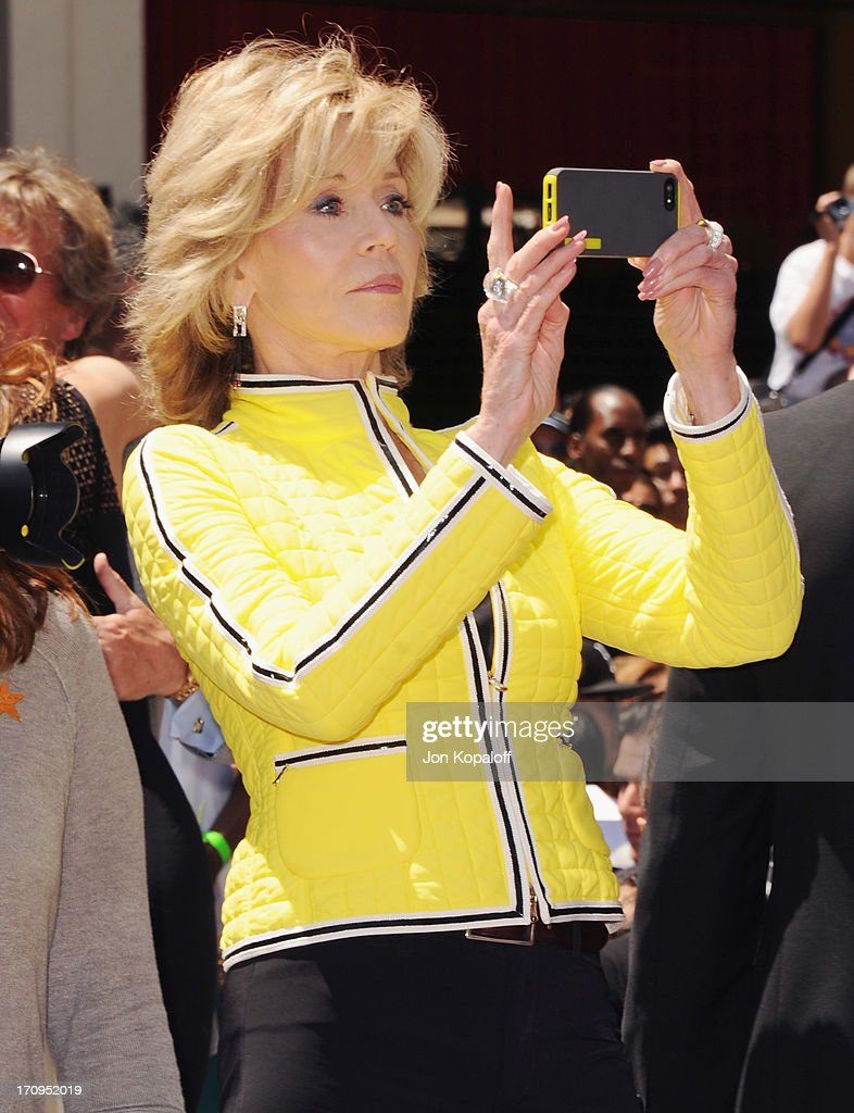 <a gi-track='captionPersonalityLinkClicked' href=/galleries/search?phrase=Jane+Fonda&family=editorial&specificpeople=202174 ng-click='$event.stopPropagation()'>Jane Fonda</a> poses at Jennifer Lopez Honored With Star On The Hollywood Walk Of Fame on June 20, 2013 in Hollywood, California.