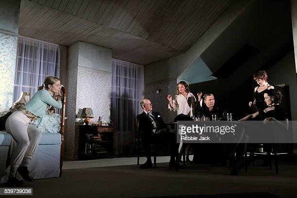 Jane Horrocks as LemonNathan Osgood as JasperHolly Goss as JuneMartin McDougall as Andy Lorraine Ashbourne as Aunt Dan and Scarlett Johnson as Mindy...