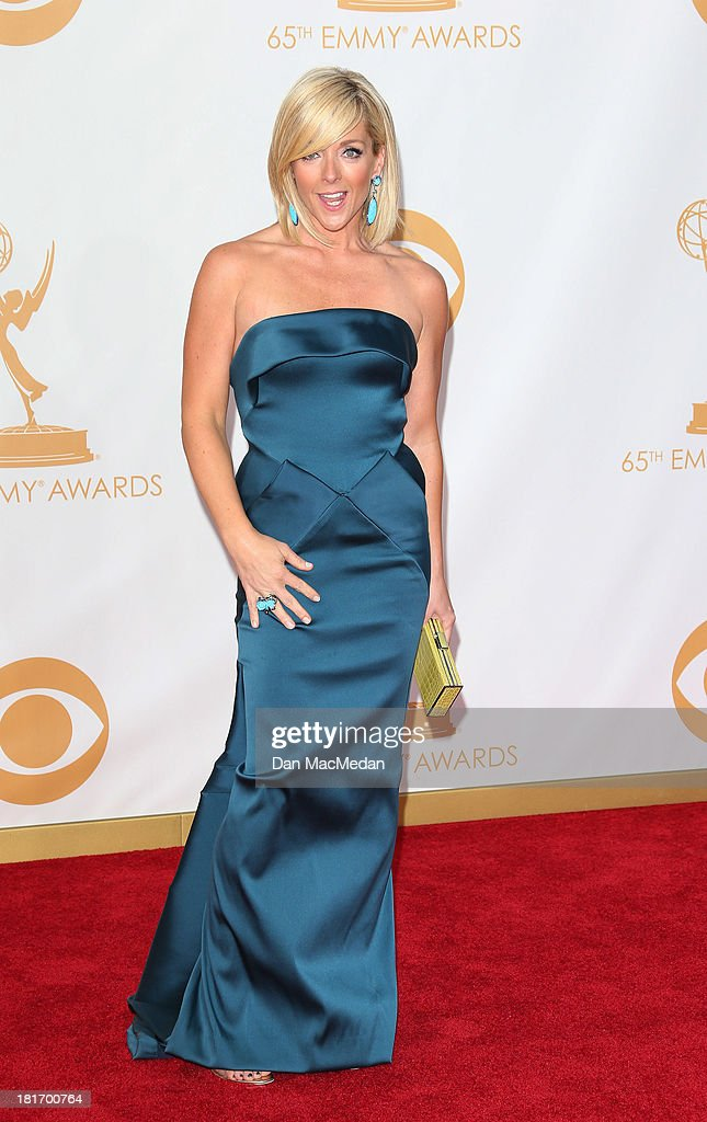 Jane Krakowski arrives at the 65th Annual Primetime Emmy Awards at Nokia Theatre L.A. Live on September 22, 2013 in Los Angeles, California.