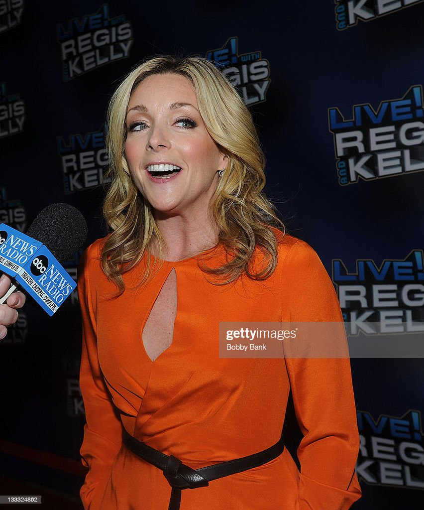 <a gi-track='captionPersonalityLinkClicked' href=/galleries/search?phrase=Jane+Krakowski&family=editorial&specificpeople=203166 ng-click='$event.stopPropagation()'>Jane Krakowski</a> attends Regis Philbin's Final Show of 'Live! with Regis & Kelly' at the Live with Regis & Kelly Studio on November 18, 2011 in New York New York.
