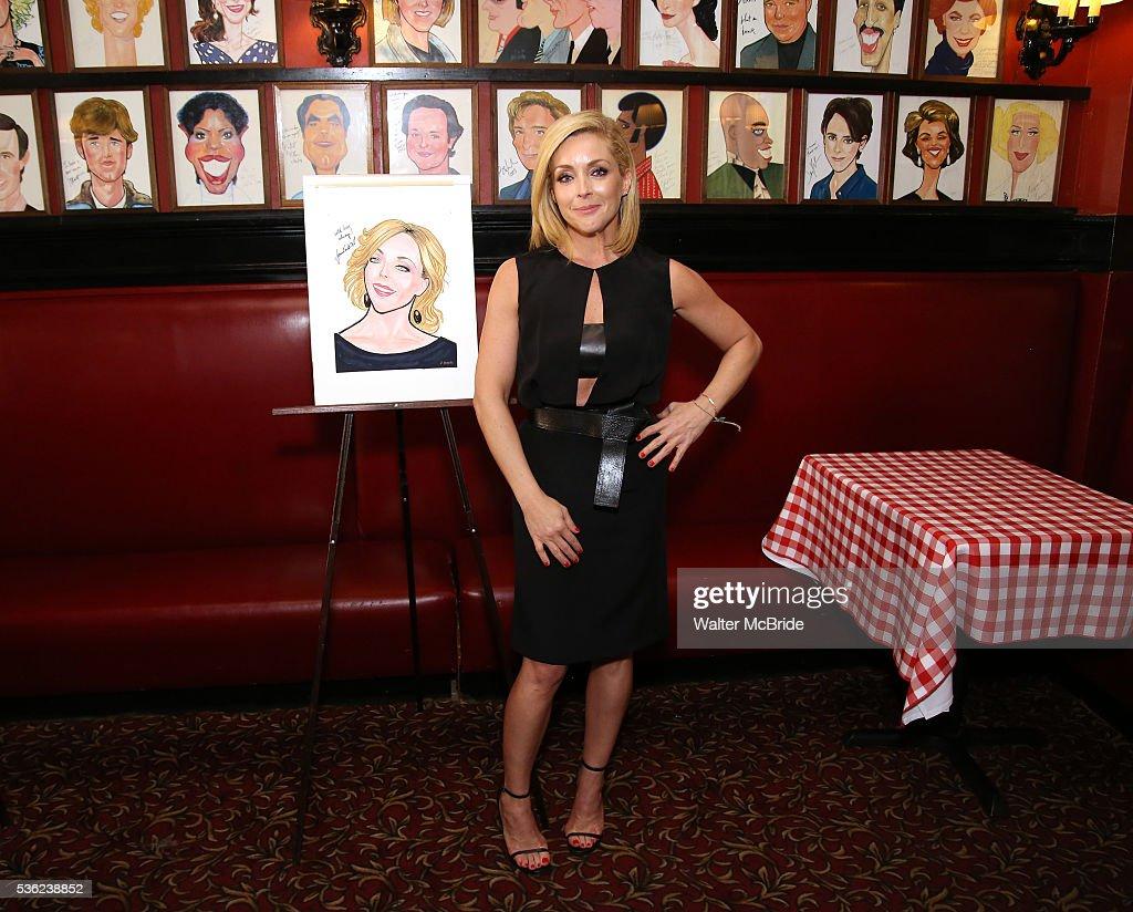 Jane Krakowski attends the Jane Krakowski Sardi's portrait unveiling at Sardi's on May 31, 2016 in New York City.