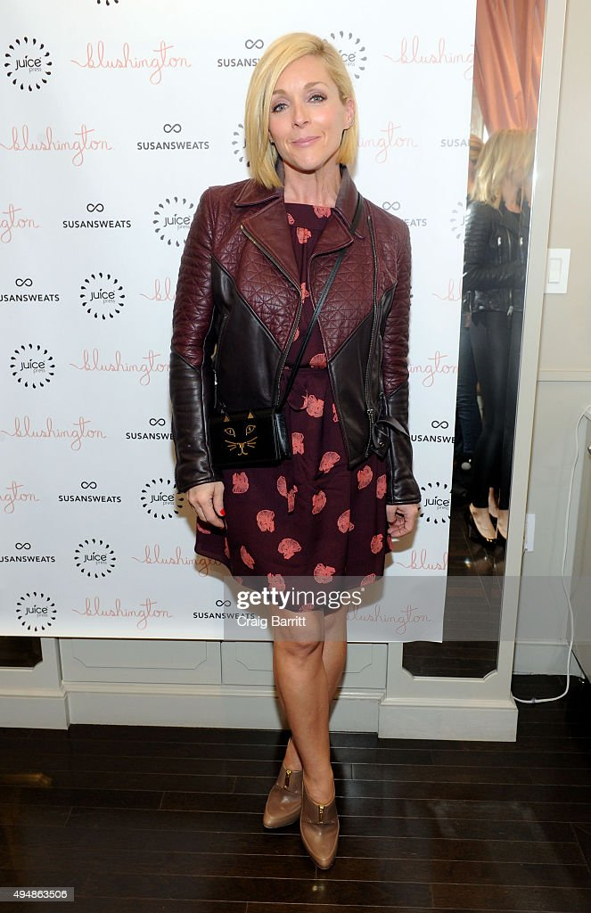 <a gi-track='captionPersonalityLinkClicked' href=/galleries/search?phrase=Jane+Krakowski&family=editorial&specificpeople=203166 ng-click='$event.stopPropagation()'>Jane Krakowski</a> attends the Susan Sweats launch party at Blushington NYC on October 29, 2015 in New York City.